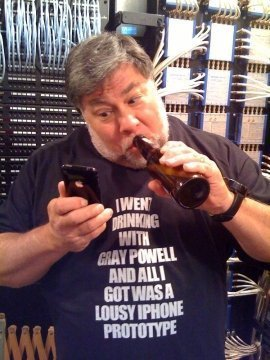 Steve Wozniak's T-Shirt joke on Gray Powell's iPhone Prototype Fiasco
