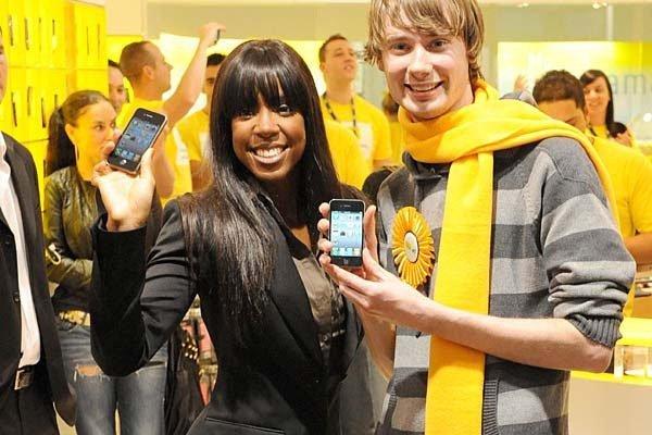 iPhone4austrlianlaunch thumb