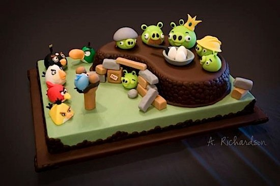 angry-birds-cake-20101110-115402.jpg