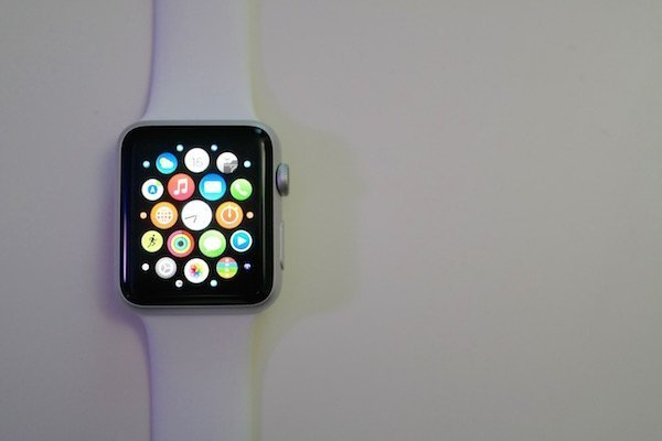WatchOS 1 0 1 Released by Apple With Performance Improvements and More