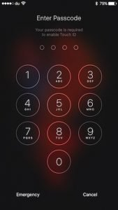 iOS 9 lockscreen bypass bug lets anyone access messaging and photos