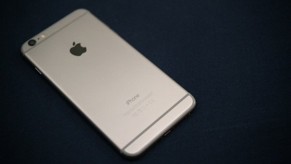 2017-iphones-to-have-edge-to-edge-oled-displays-and-home-button-built-in-to-the-screen