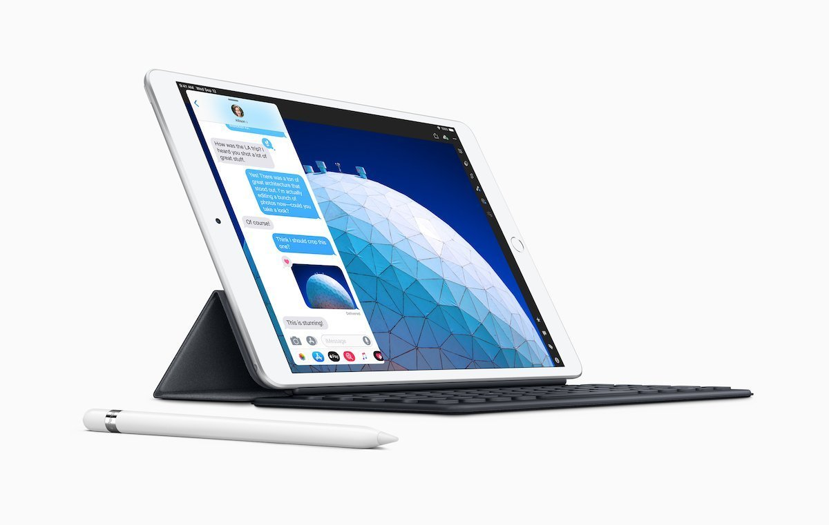 iPad Air with Smart Keyboard and Apple Pencil