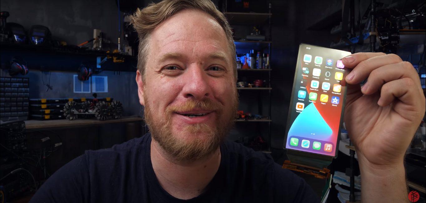 Scotty Strange Parts - foldable iPhone