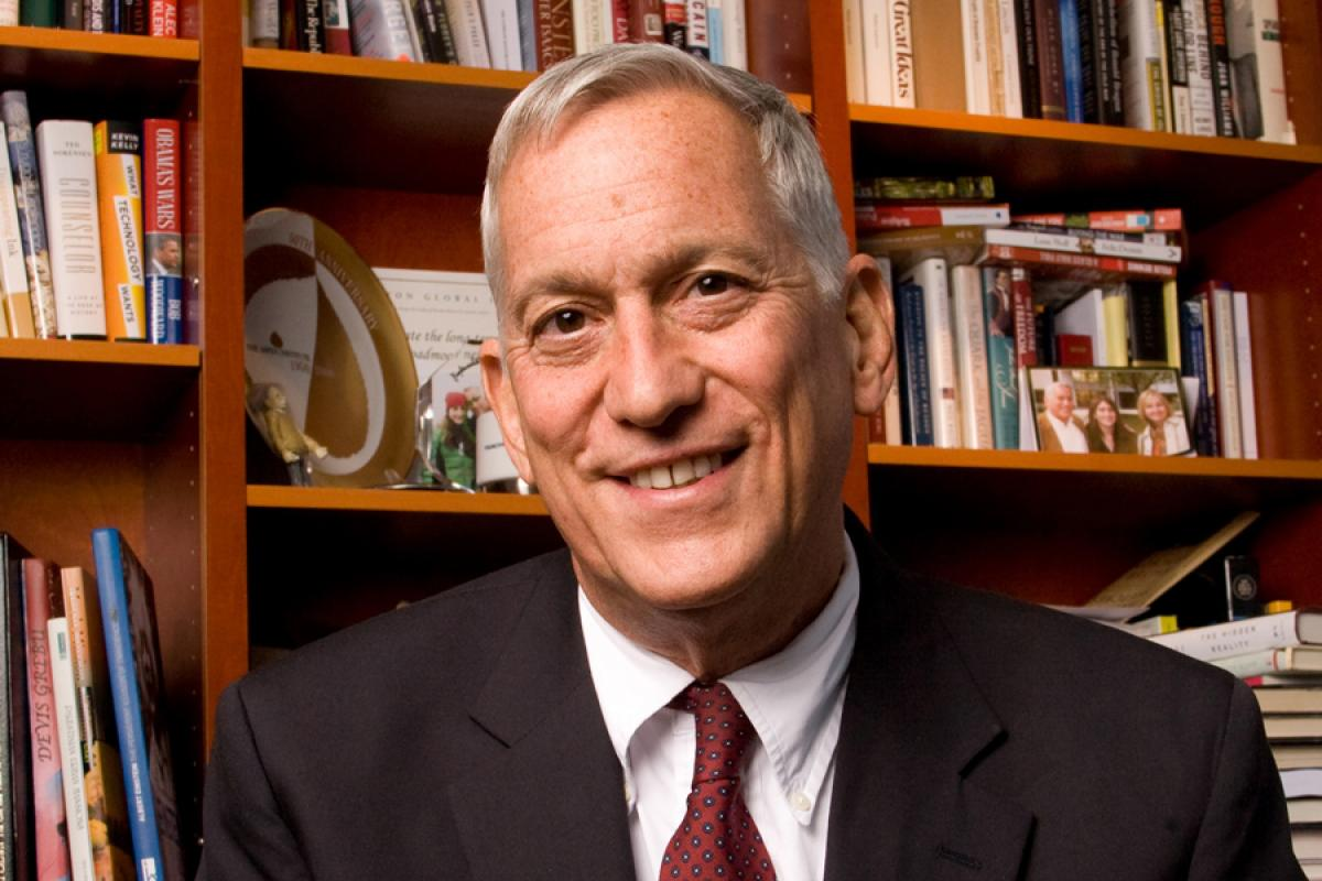 Walter Isaacson, Apple and Facebook
